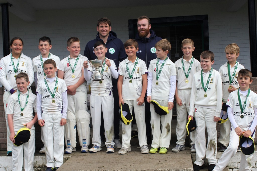 Gary Wilson and Paul Stirling with the All-Ireland cup winning Instonians U 11s team