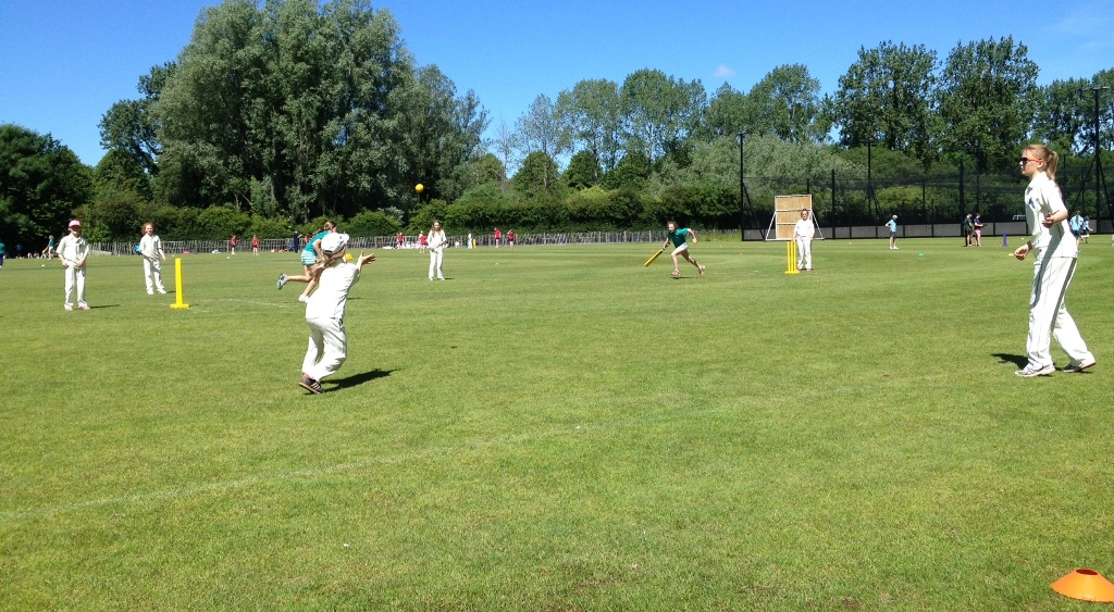 Girls Kwik Cricket
